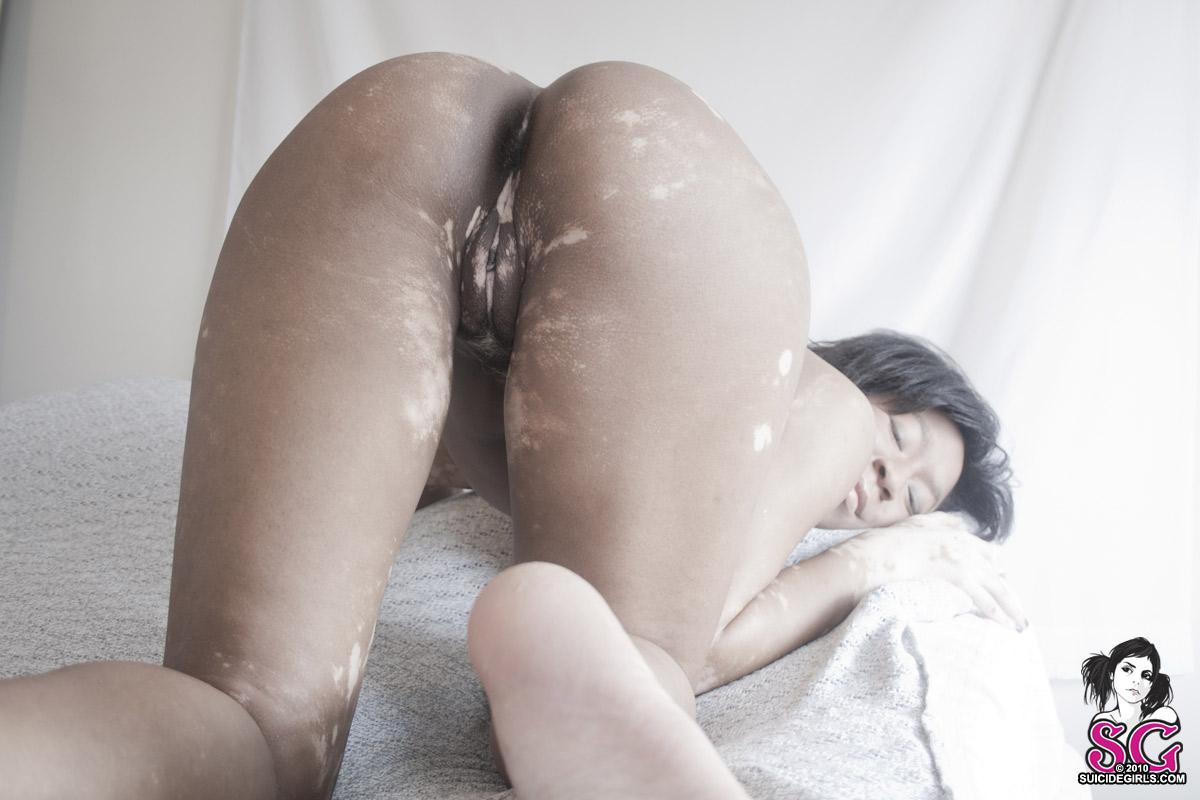 suicide girl ass nude