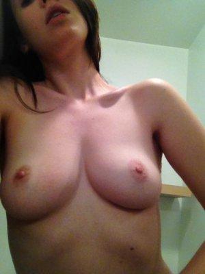 Alison-Brie-nua-pelada-naked-(13)