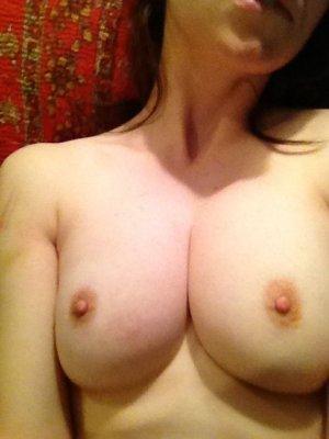 Alison-Brie-nua-pelada-naked-(15)