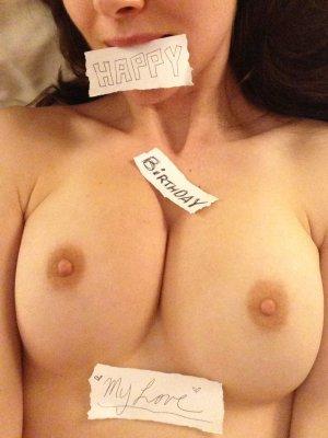 Alison-Brie-nua-pelada-naked-(18)