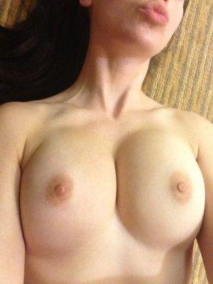 Alison-Brie-nua-pelada-naked-(29)