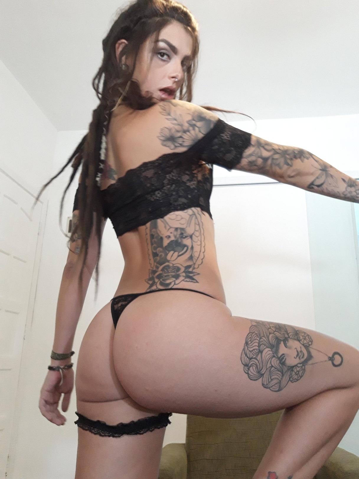 Estella warren sexy nude modelling photos