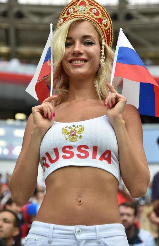 Torcedora russa mais sexy da Copa do Mundo é atriz pornô