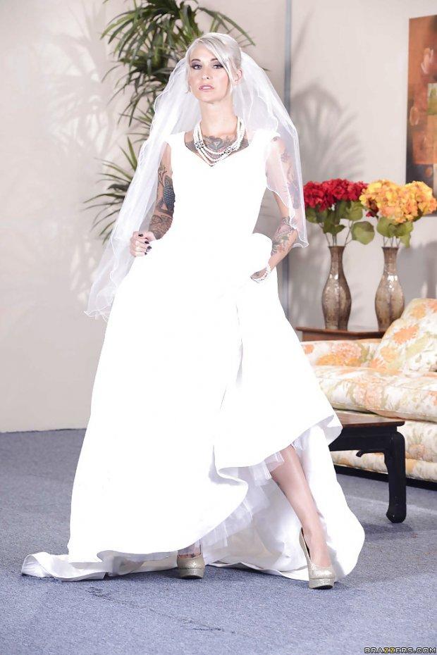 Kleio Valentien bride 1