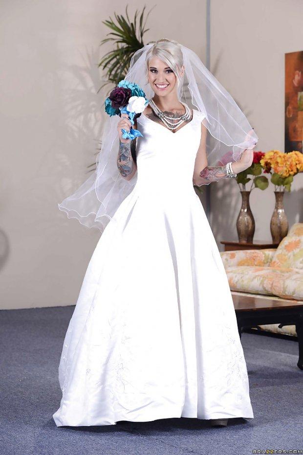 Kleio Valentien bride 2