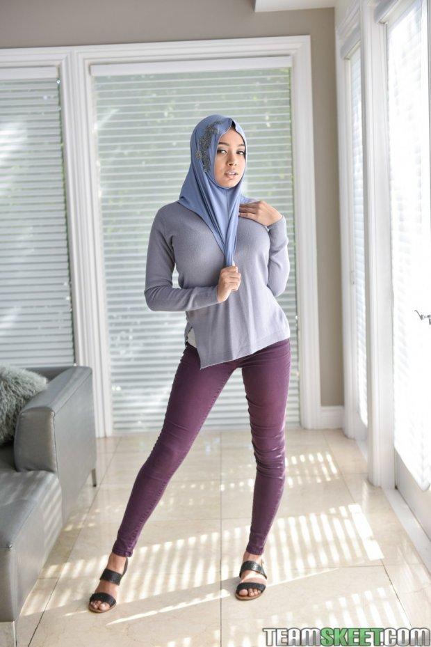 Aaliyah Hadid-arab-muslim-hijab-porn-atriz porno-porno-1